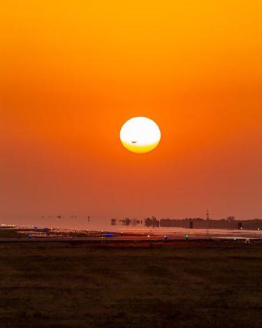 初挑戦で、太陽と飛行機の撮影に成功しちゃいました